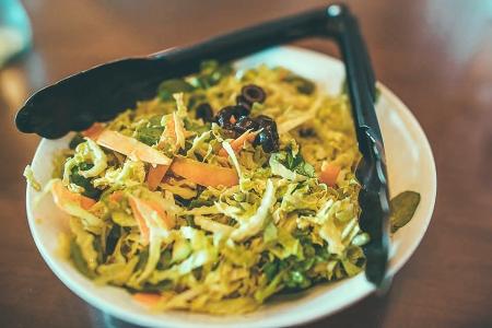 House Salad with orange vinaigrette © Nathaniel Ngo Sy