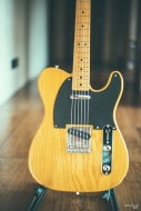 Light butterscotch blonde finish on a natural ash body. They say that 52 was a good year for the Telecaster. I am inclined to agree :)