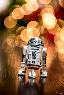 R2D2 is wishing you a most joyous CHRISTmas :)