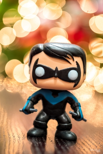 Nightwing is wishing you a most joyous CHRISTmas :)