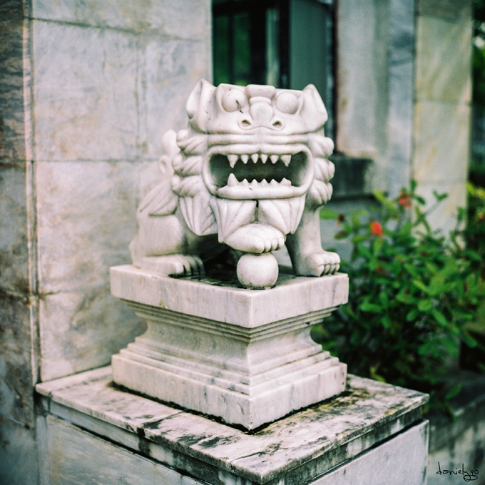 Marble Lion Gate Keeper
